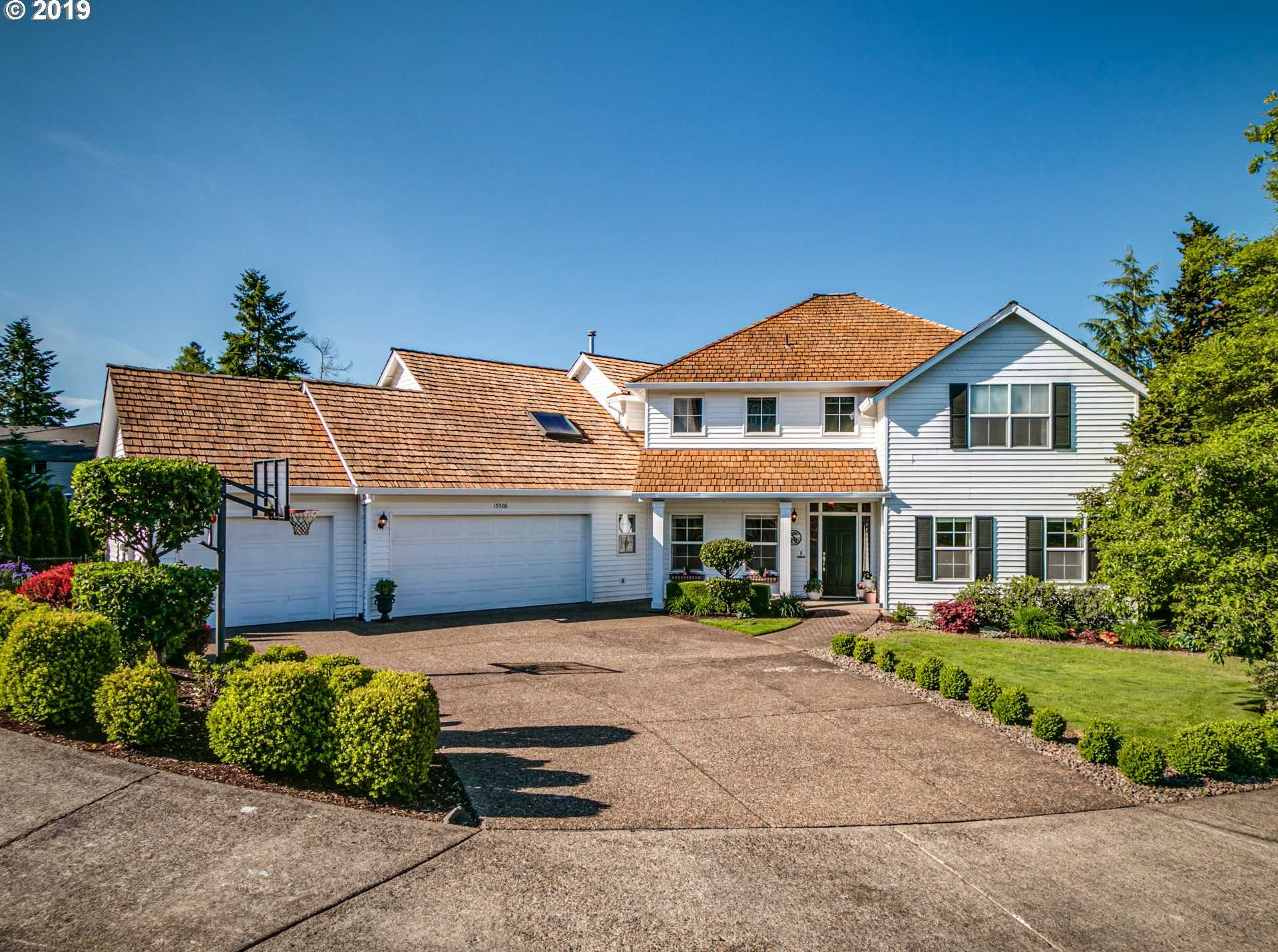 $825,000 - 5Br/4Ba -  for Sale in Pleasant View, Tigard