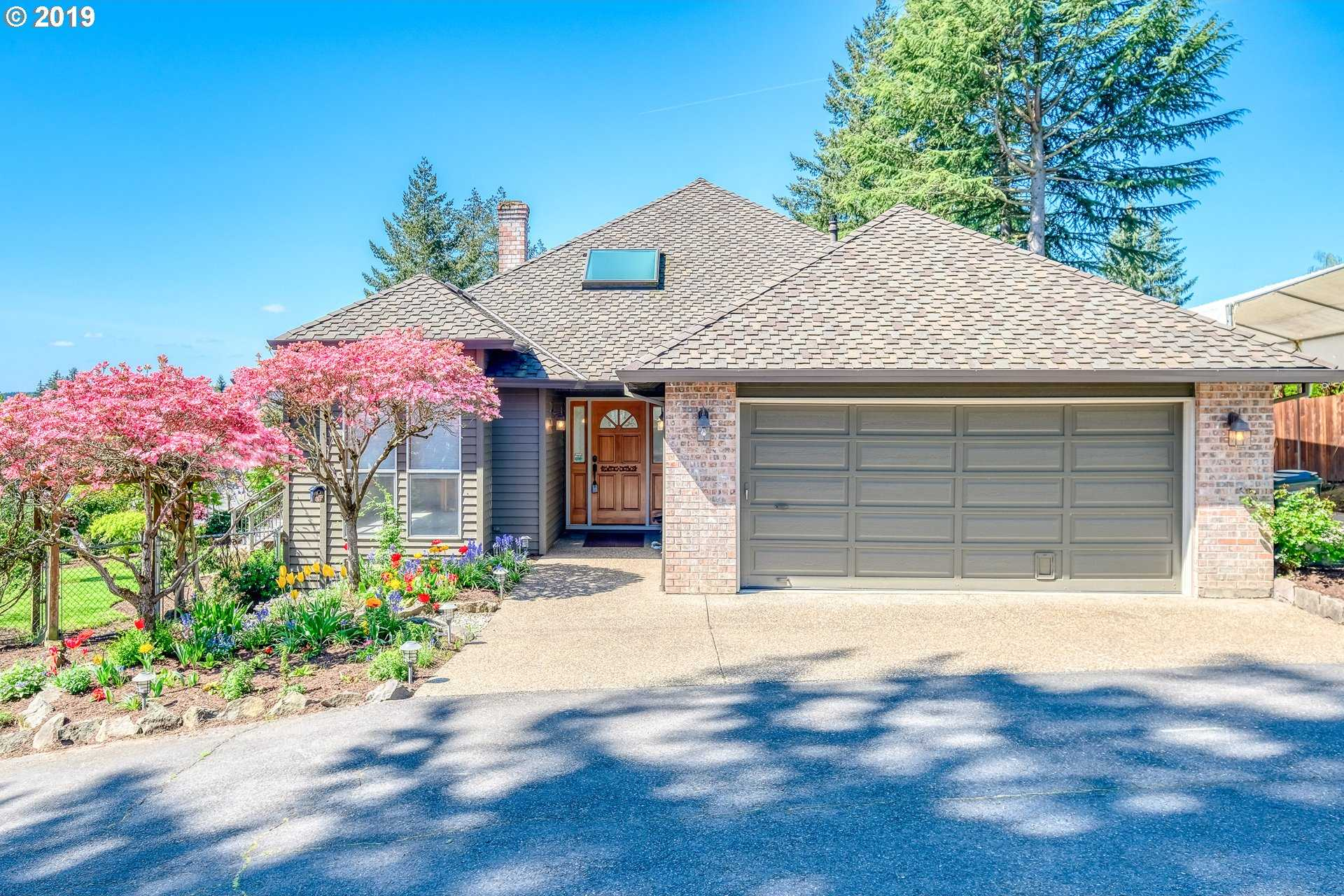 $625,000 - 3Br/2Ba -  for Sale in Portland
