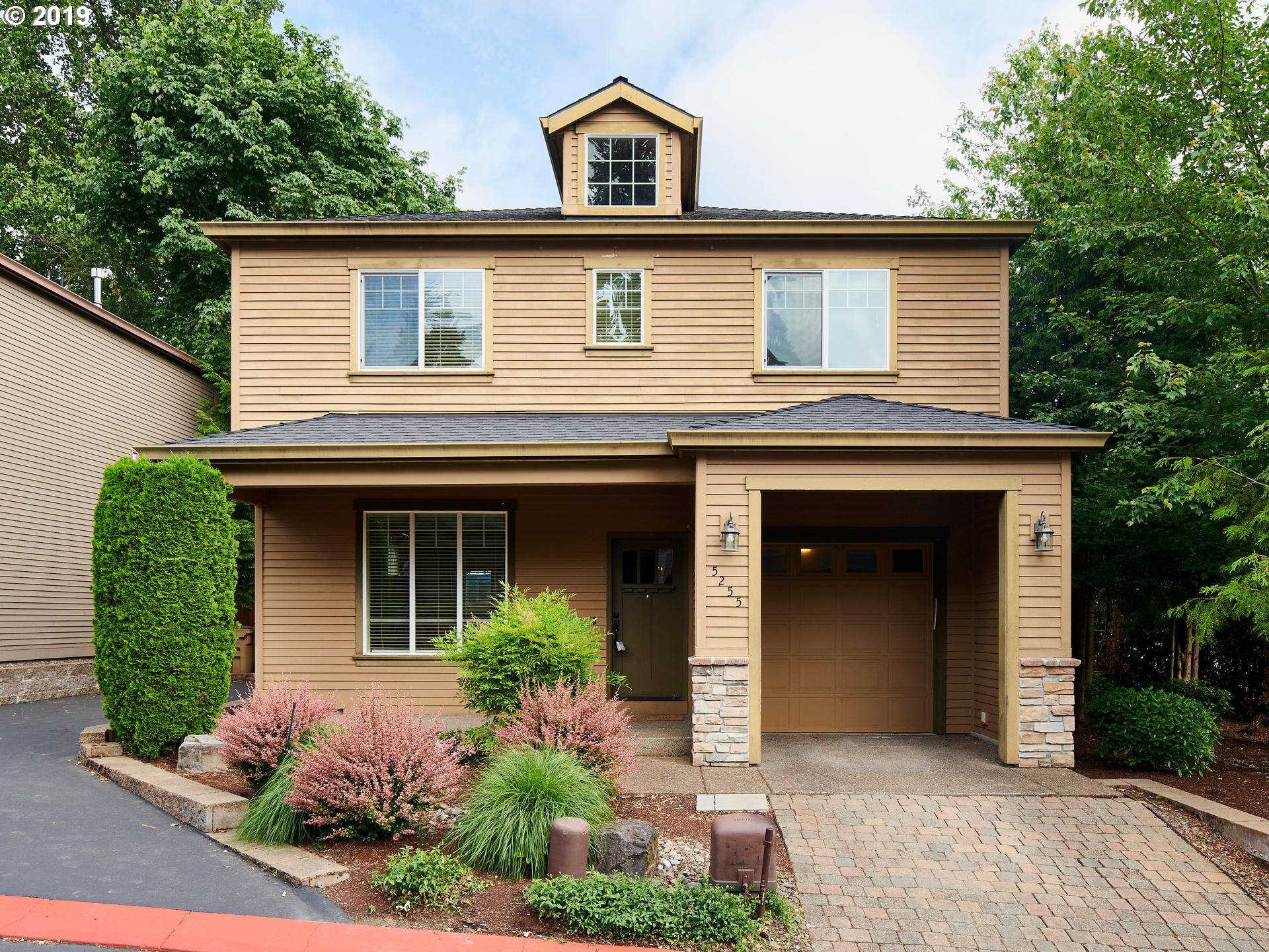 $350,000 - 3Br/3Ba -  for Sale in Milwaukie