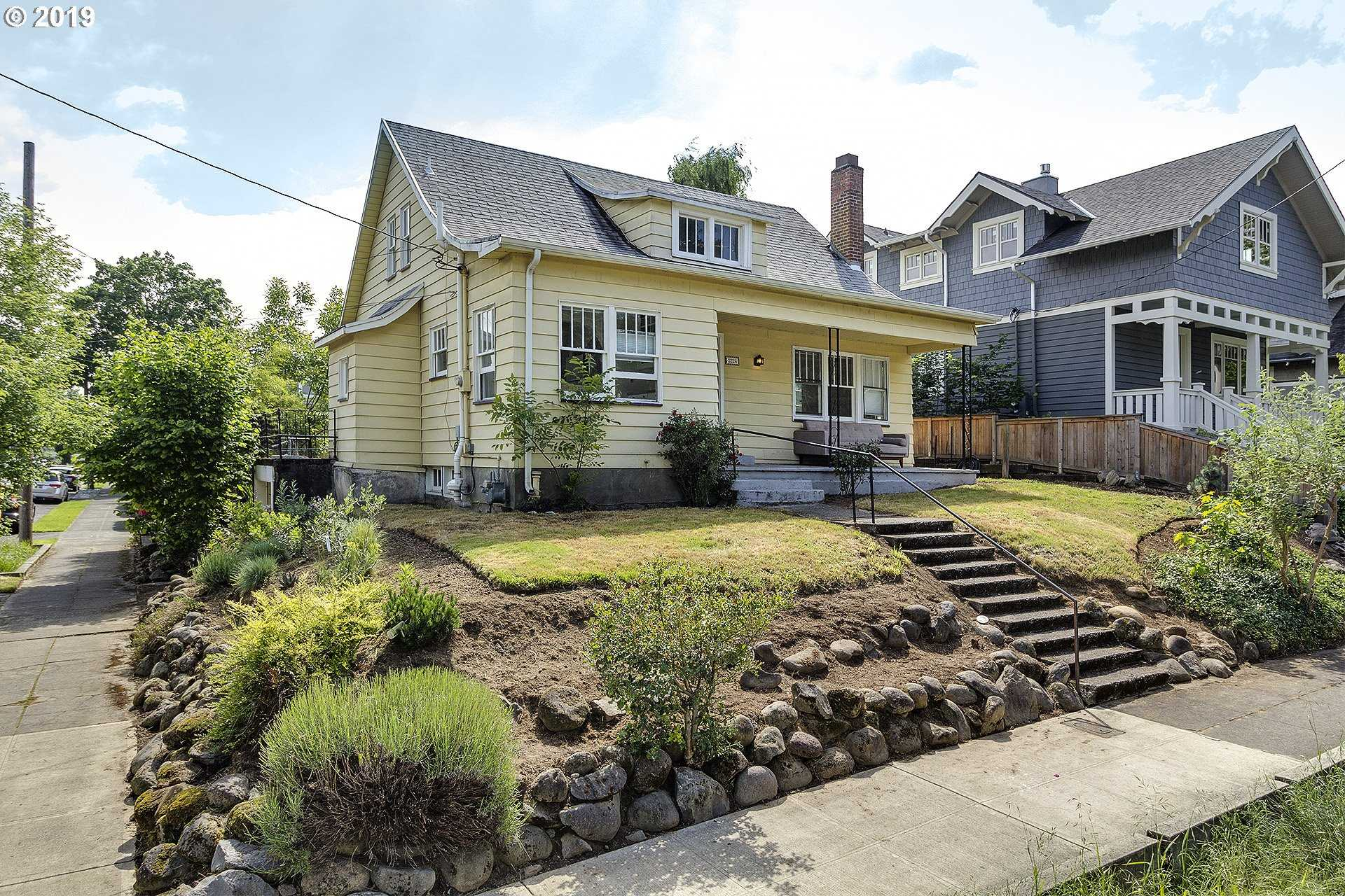 $470,000 - 3Br/2Ba -  for Sale in Portland
