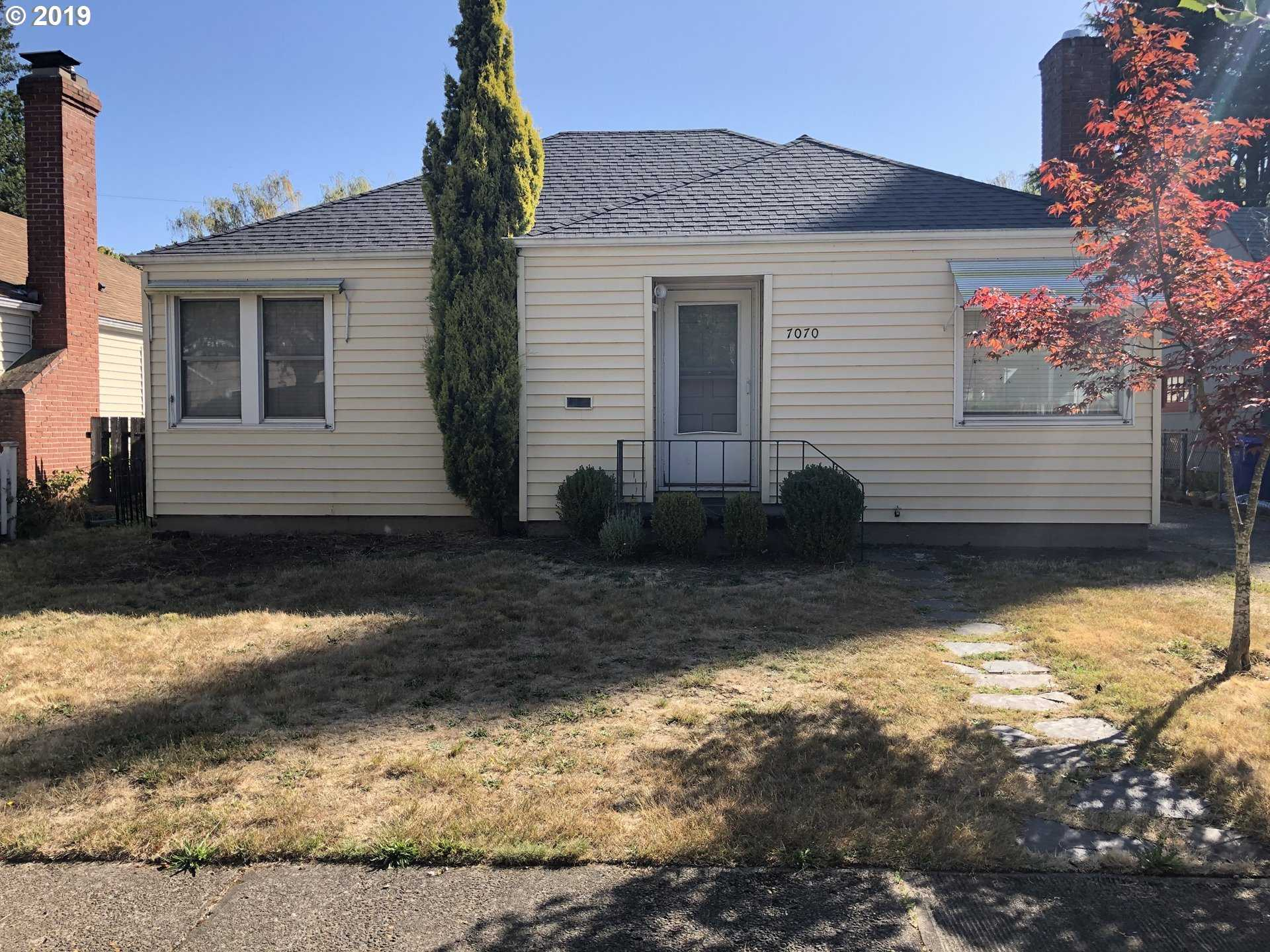 $549,900 - 6Br/3Ba -  for Sale in College Crest, Portland