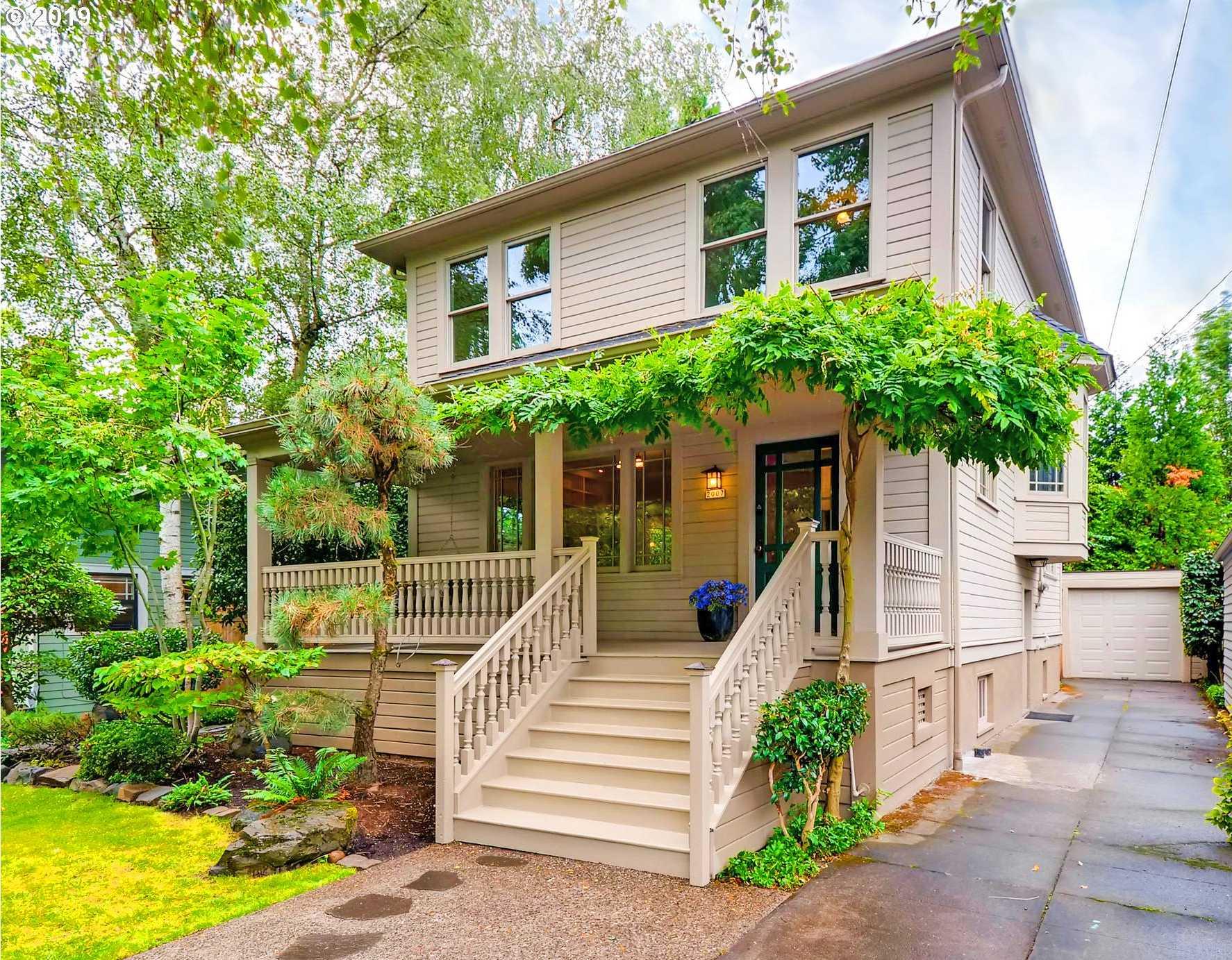$739,900 - 4Br/3Ba -  for Sale in Irvington, Portland