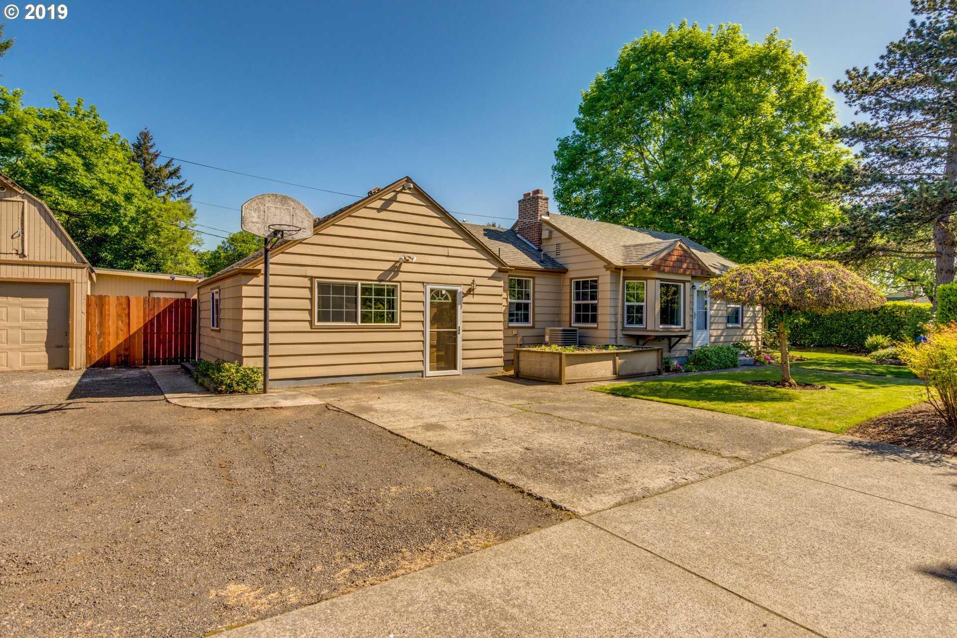 $339,900 - 2Br/1Ba -  for Sale in Lents/powellhurst-gilbert, Portland