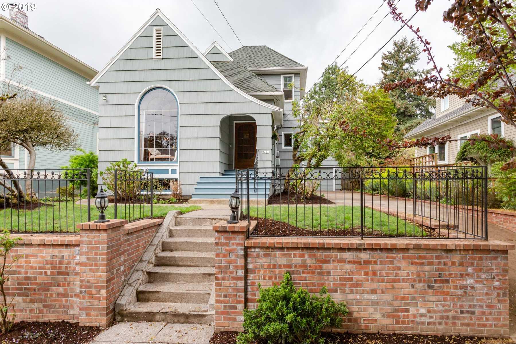 $964,900 - 5Br/5Ba -  for Sale in Irvington, Portland
