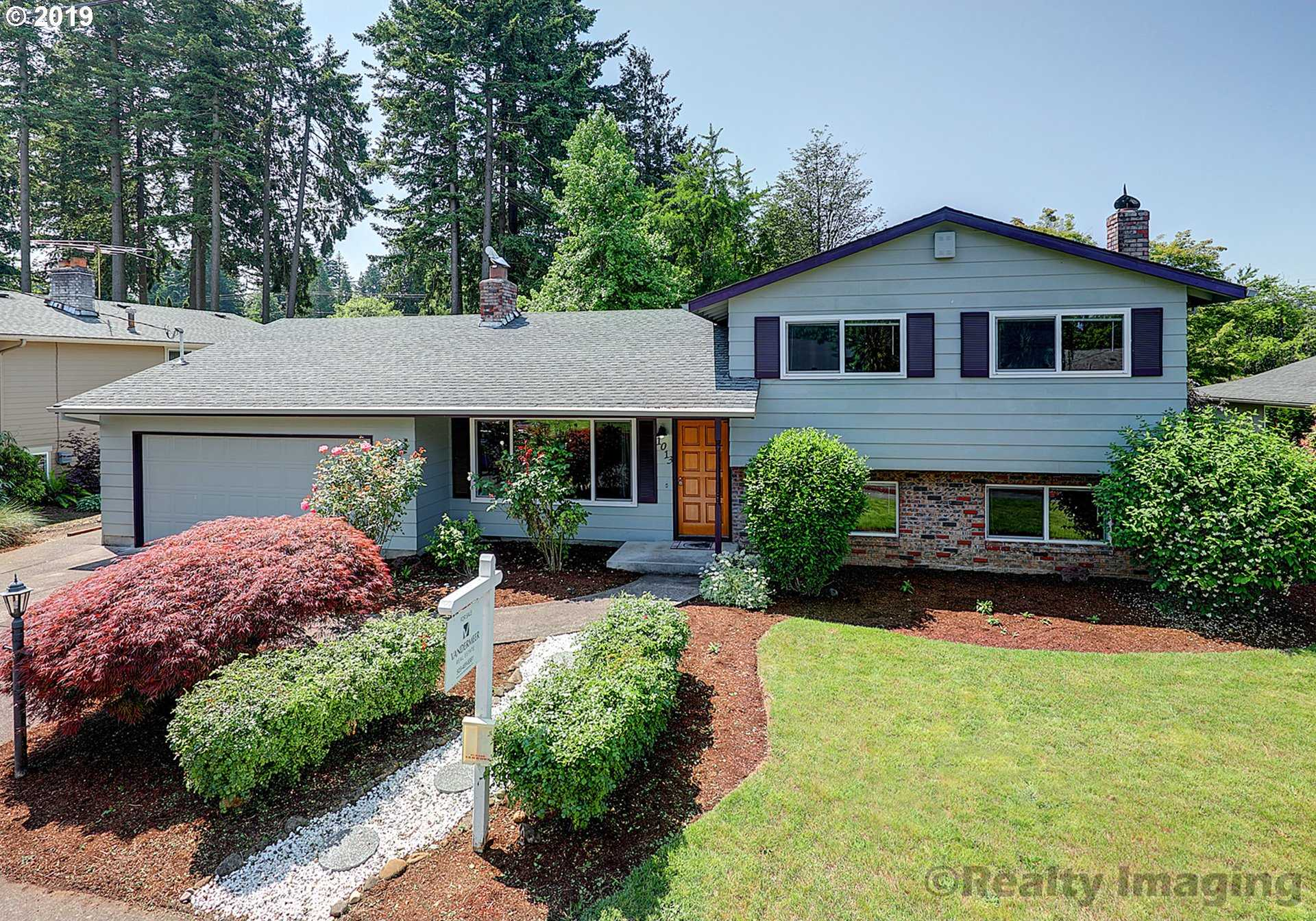 $379,900 - 4Br/3Ba -  for Sale in Cypress Park, Portland