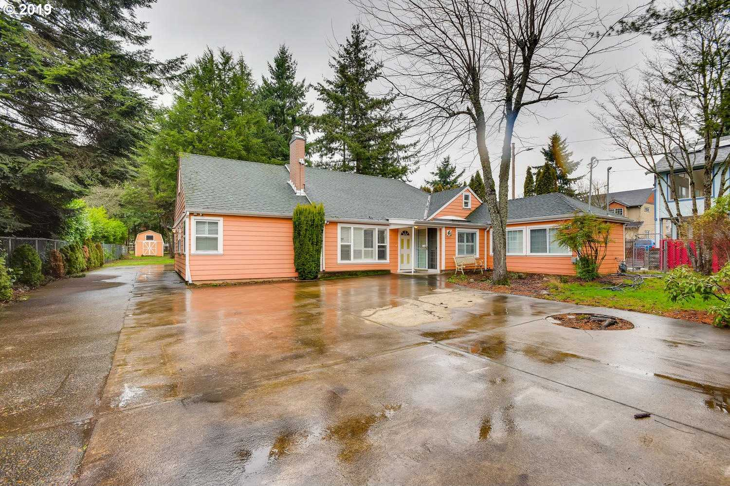 $499,000 - 4Br/1Ba -  for Sale in Portland