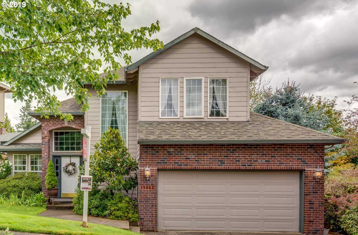 $479,000 - 4Br/3Ba -  for Sale in Carriage Meadows, West Linn