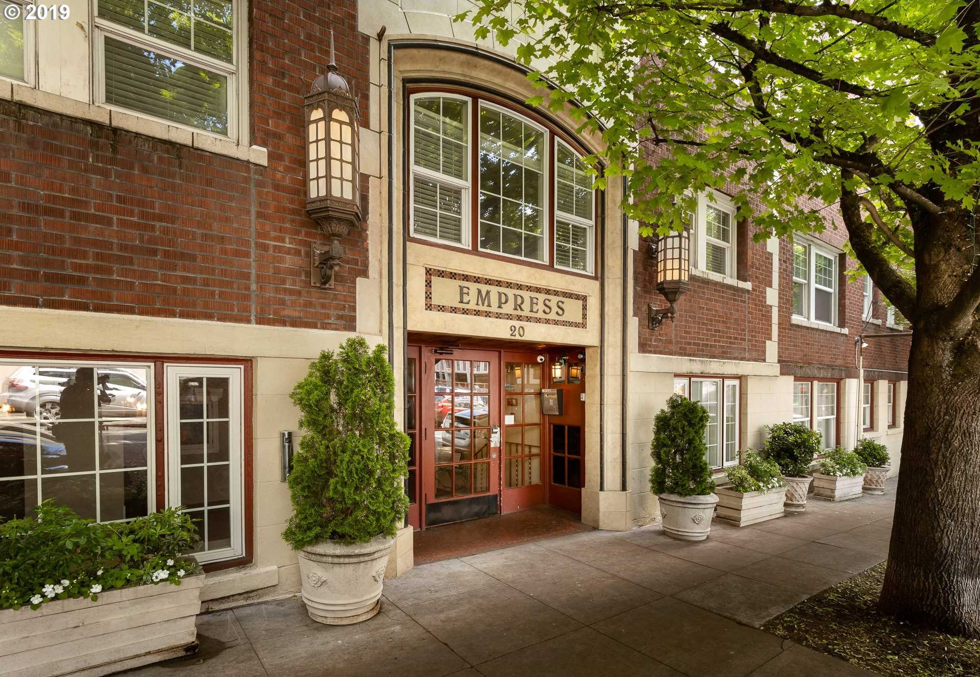 $155,000 - Br/1Ba -  for Sale in The Empress, Portland