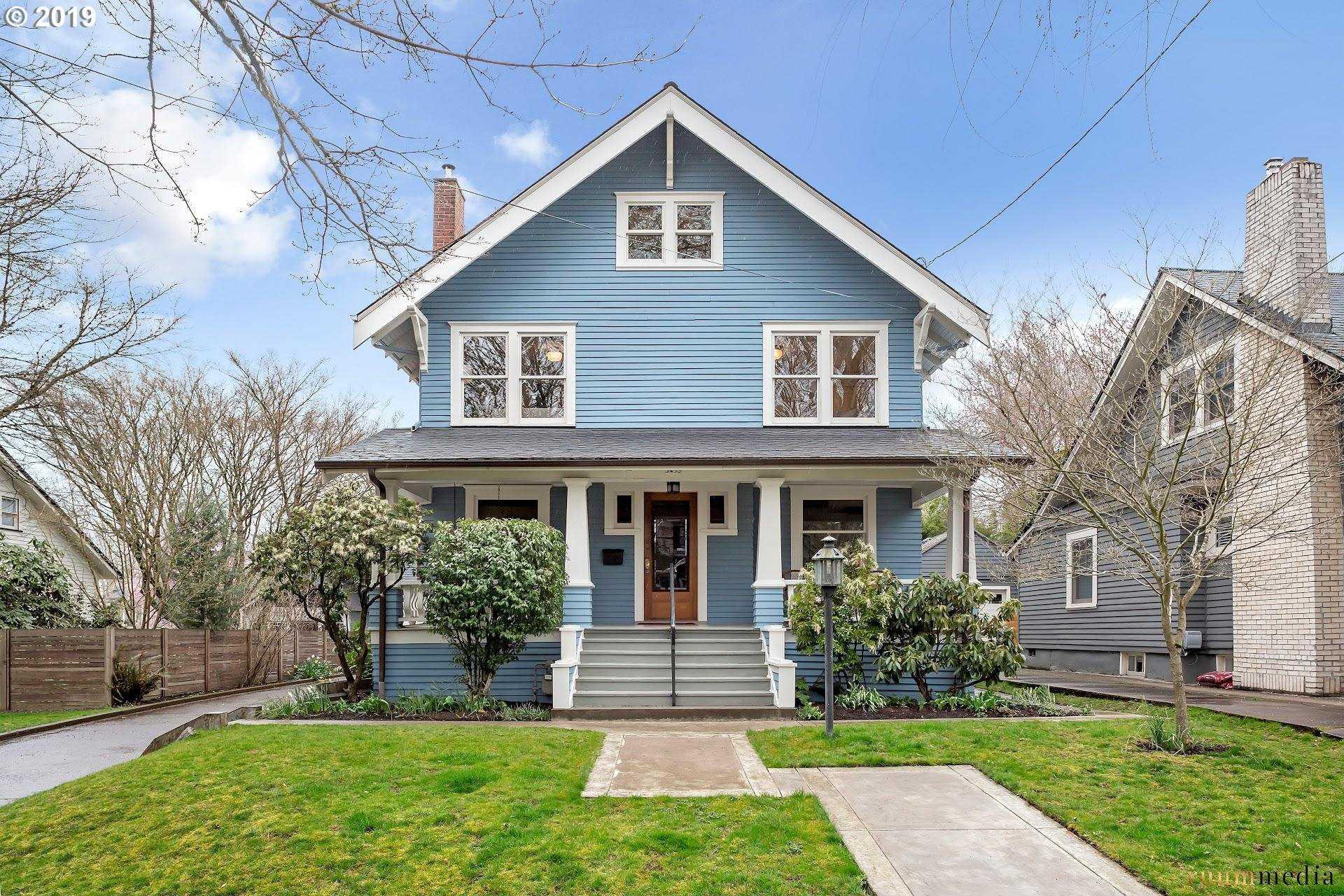 $939,000 - 4Br/2Ba -  for Sale in Laurelhurst, Portland
