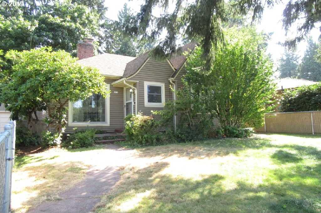 $335,000 - 3Br/2Ba -  for Sale in Maywood Park, Portland