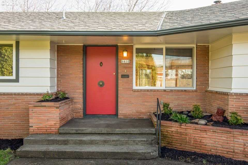 $548,000 - 3Br/2Ba -  for Sale in Portland