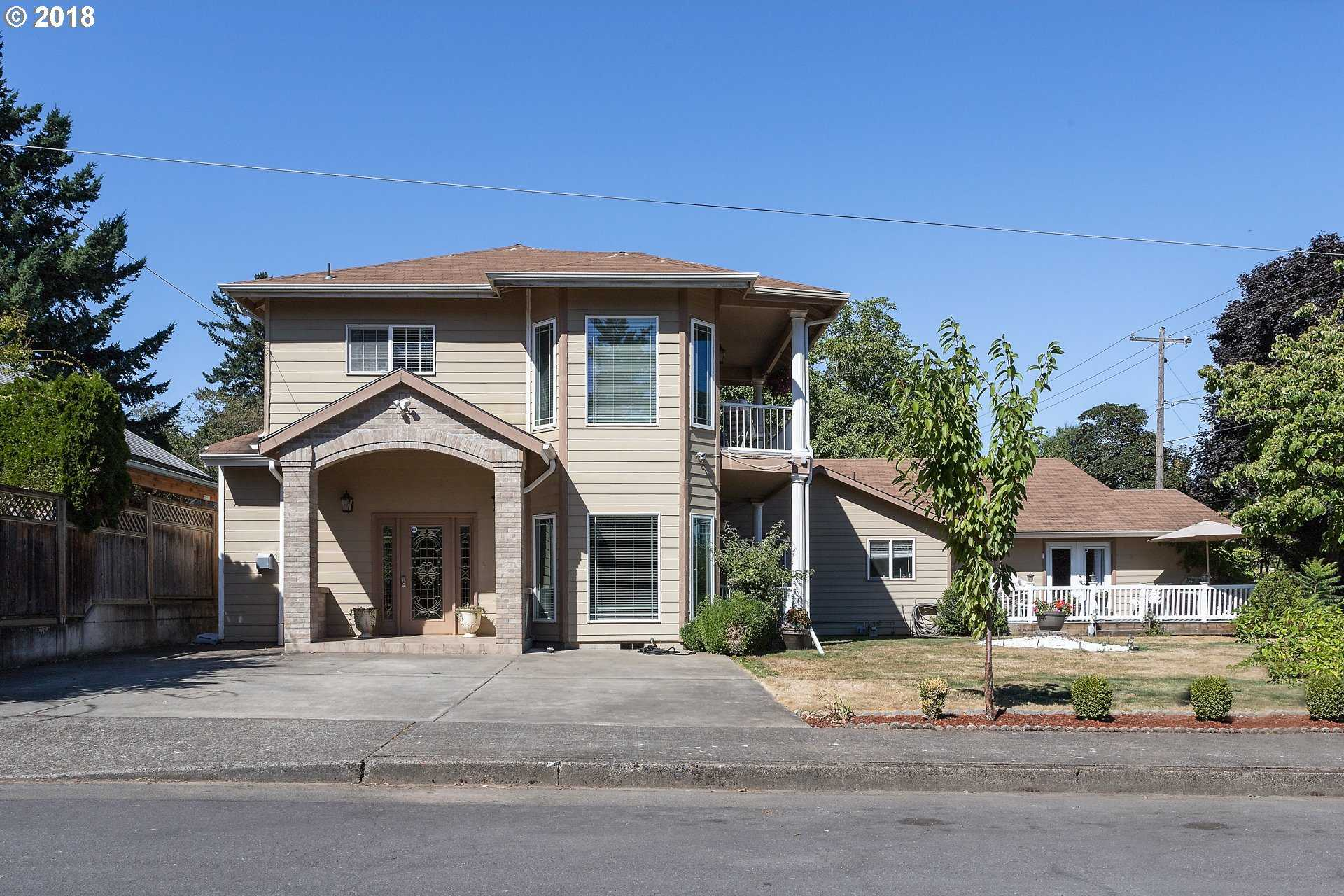 $799,000 - 9Br/7Ba -  for Sale in Portland
