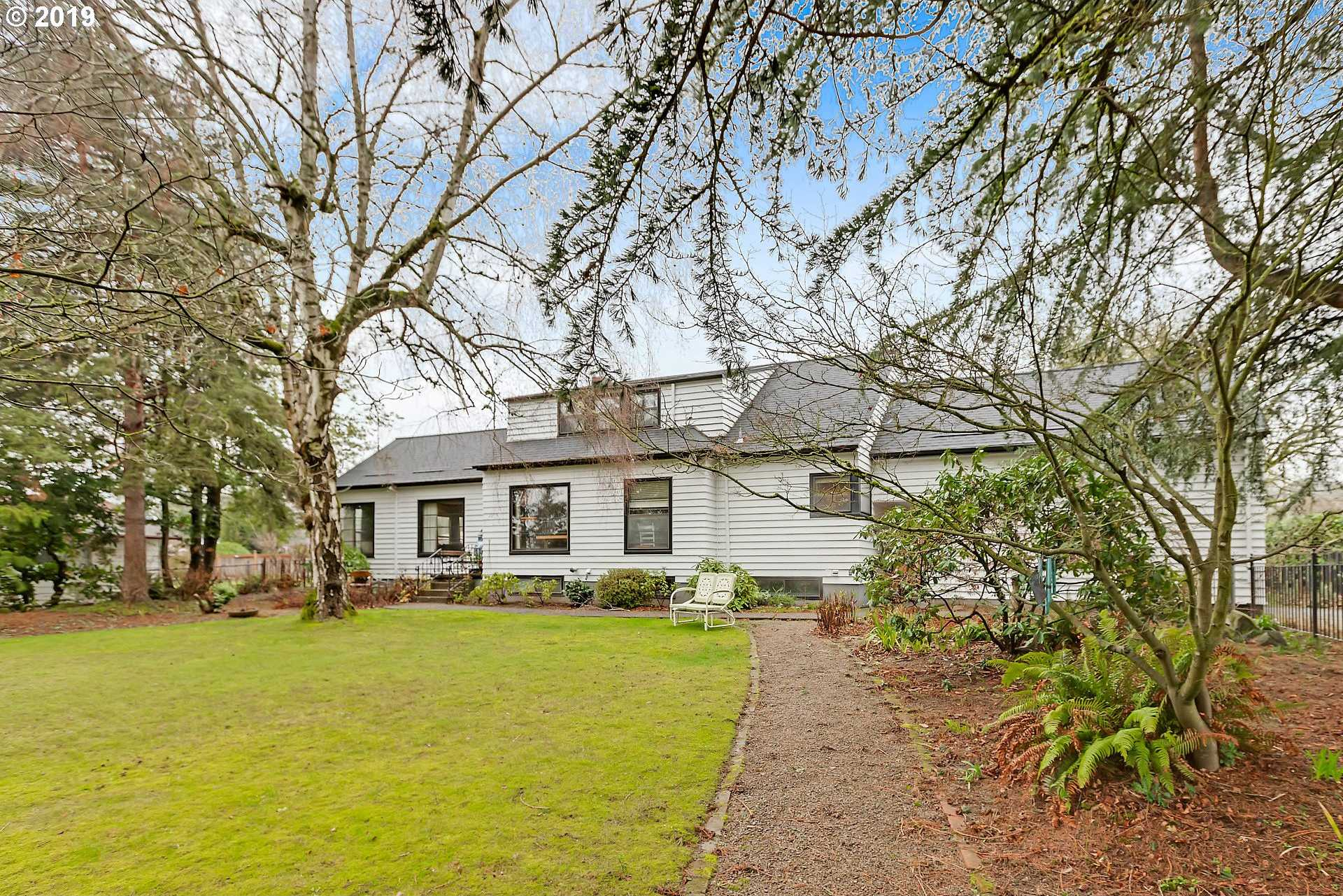 $550,000 - 5Br/3Ba -  for Sale in Concord Terrace, Milwaukie