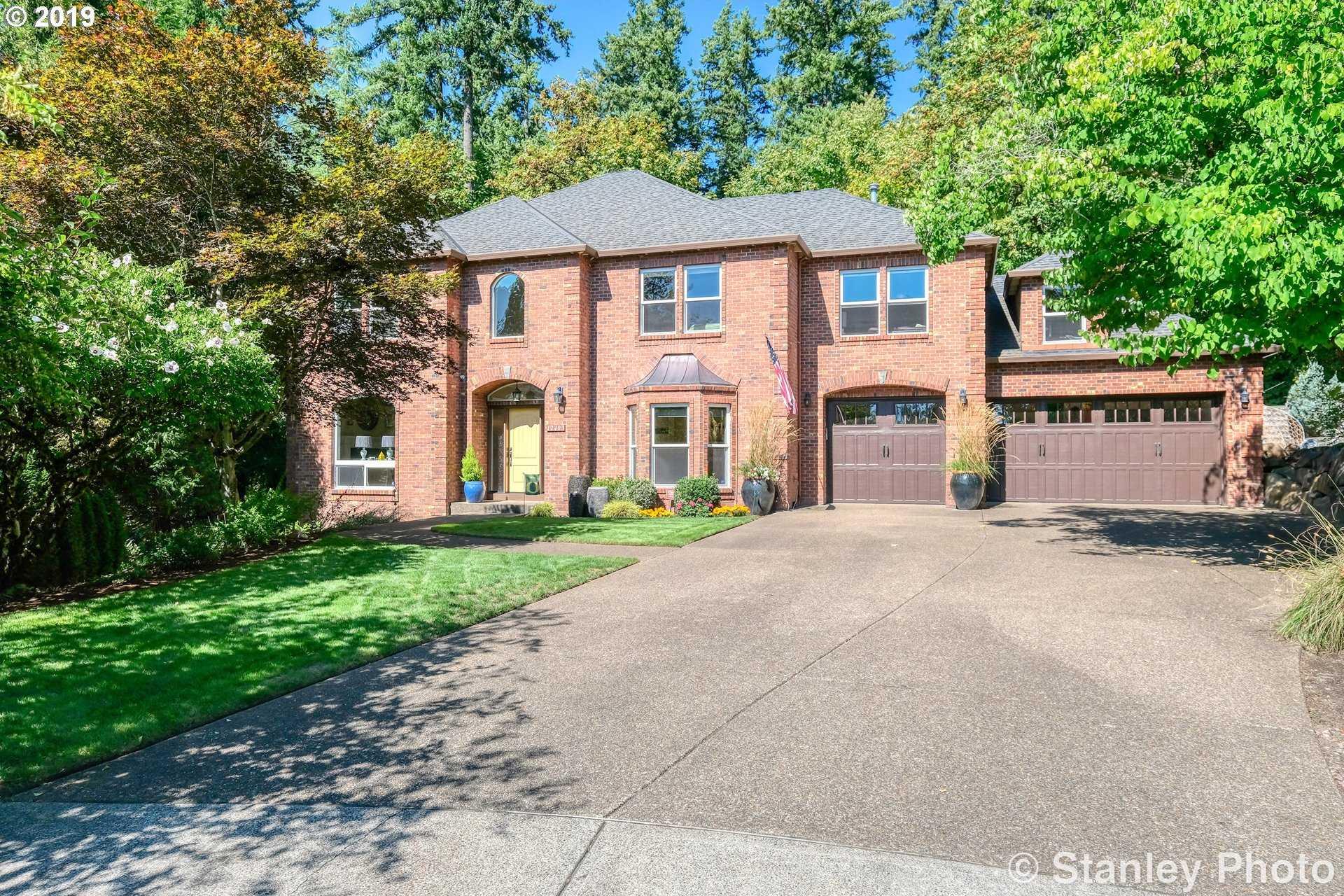 $895,000 - 4Br/3Ba -  for Sale in Blakewood Estates, Portland