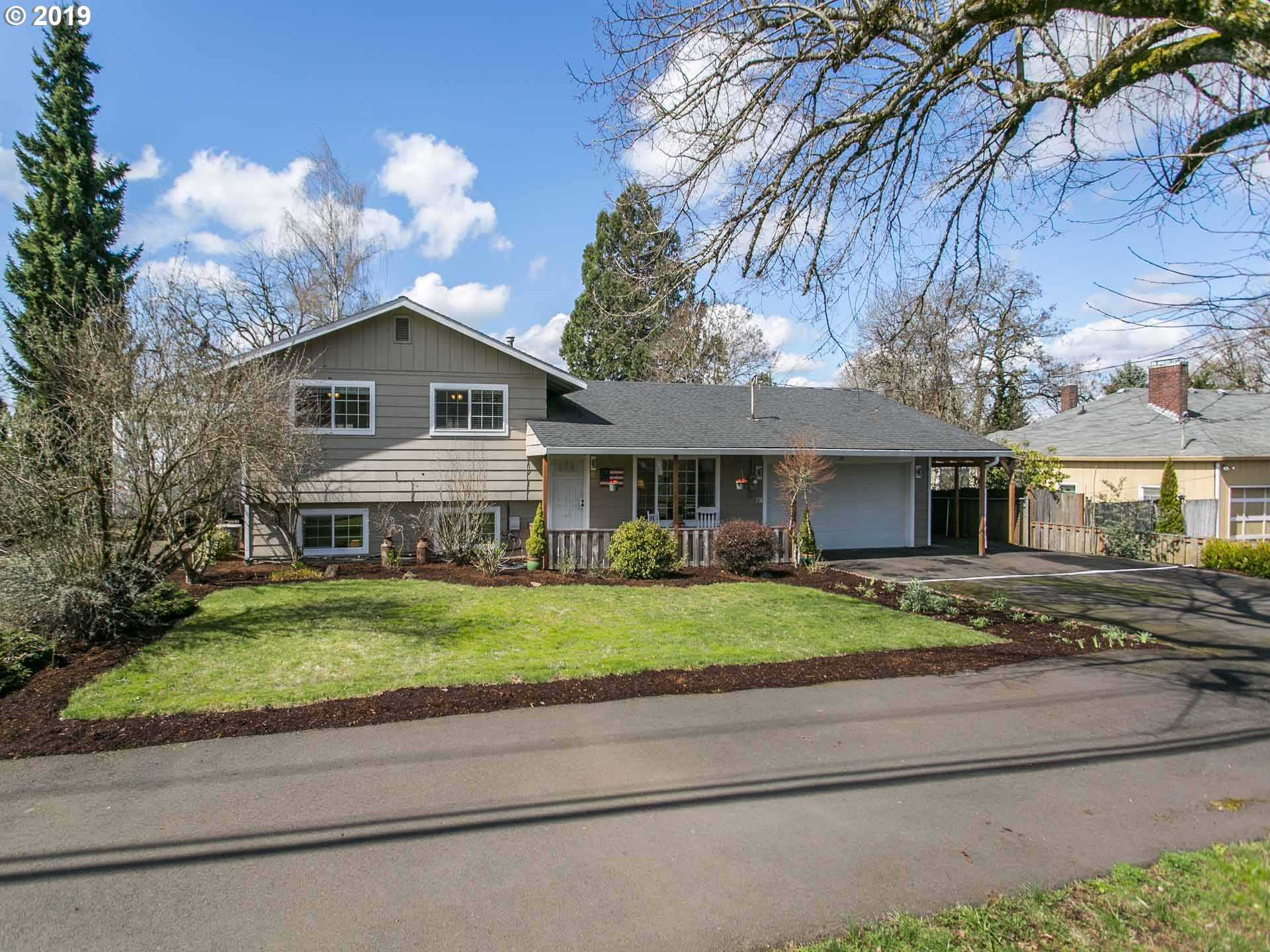 $469,900 - 3Br/3Ba -  for Sale in Oregon City