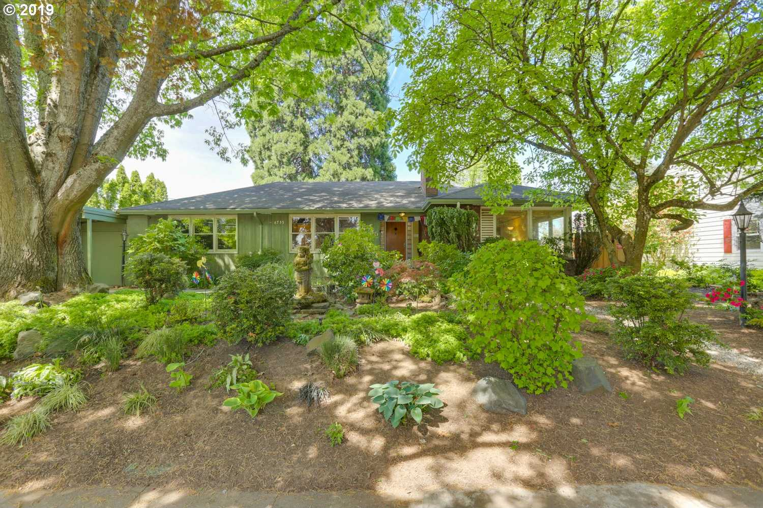 $549,500 - 3Br/2Ba -  for Sale in South Tabor, Portland