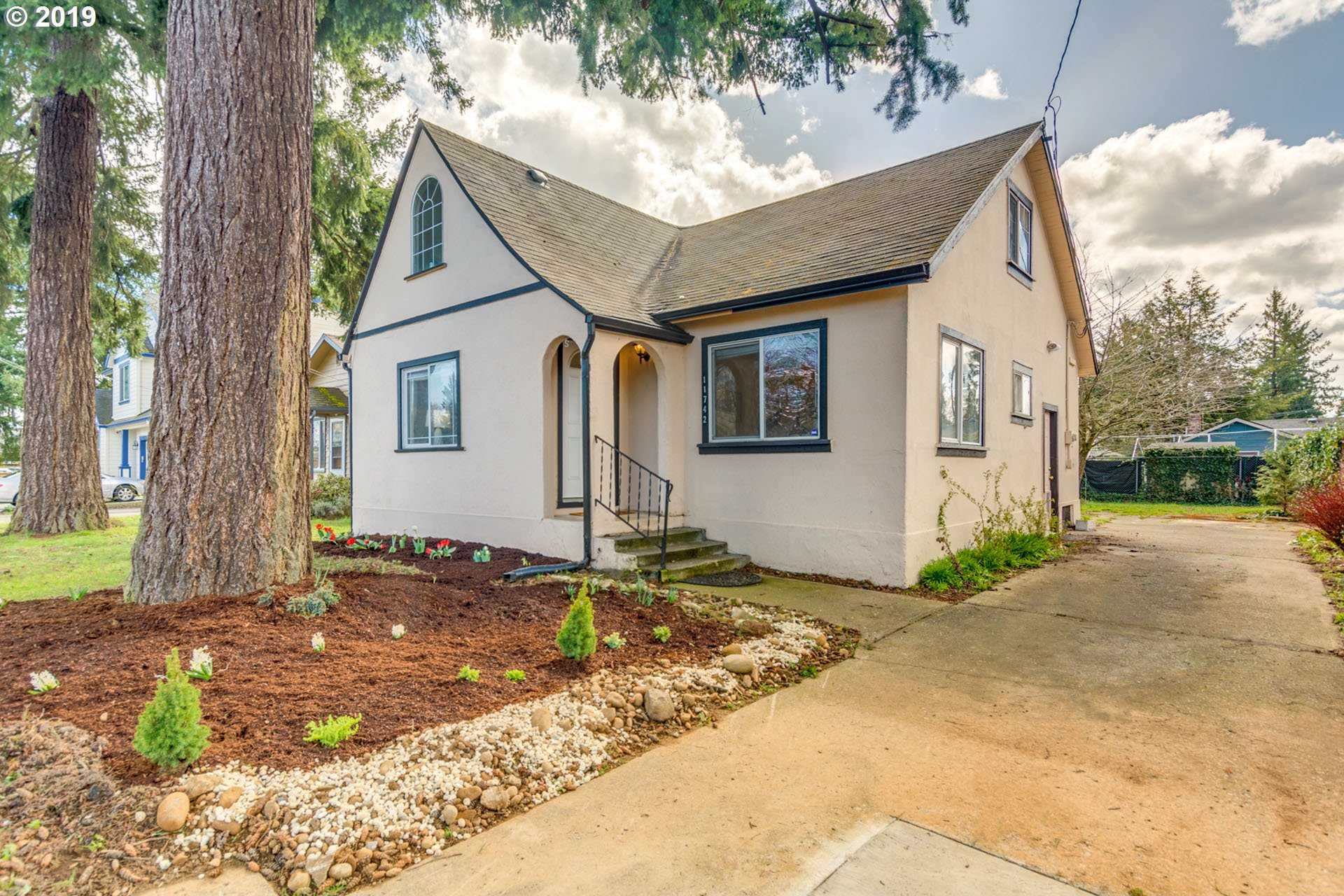 $299,999 - 4Br/1Ba -  for Sale in Mill Park, Portland