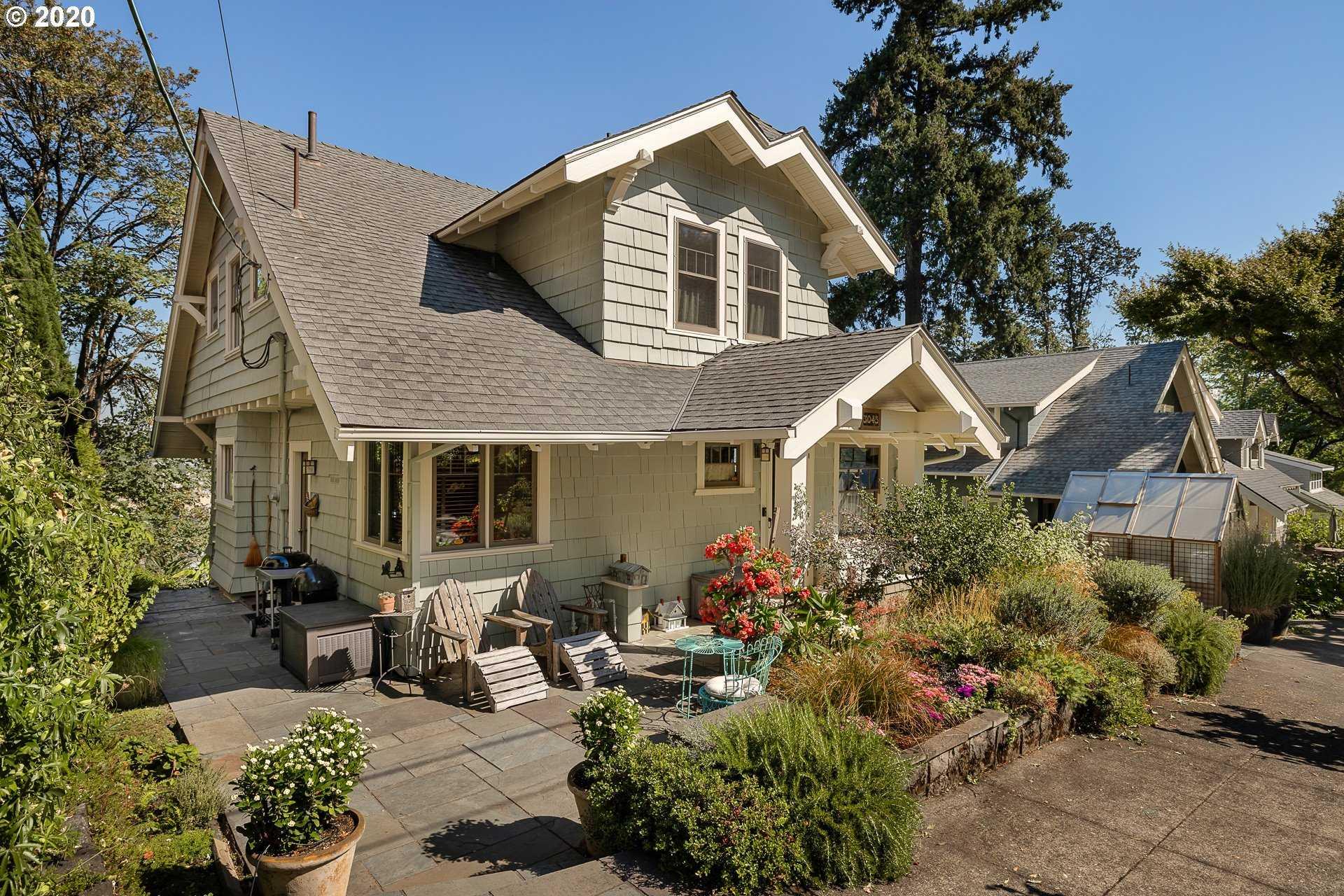 $849,000 - 3Br/2Ba - for Sale in Willamette Heights, Portland