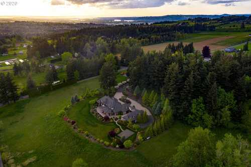 $3,949,900 - 6Br/7Ba -  for Sale in Troutdale
