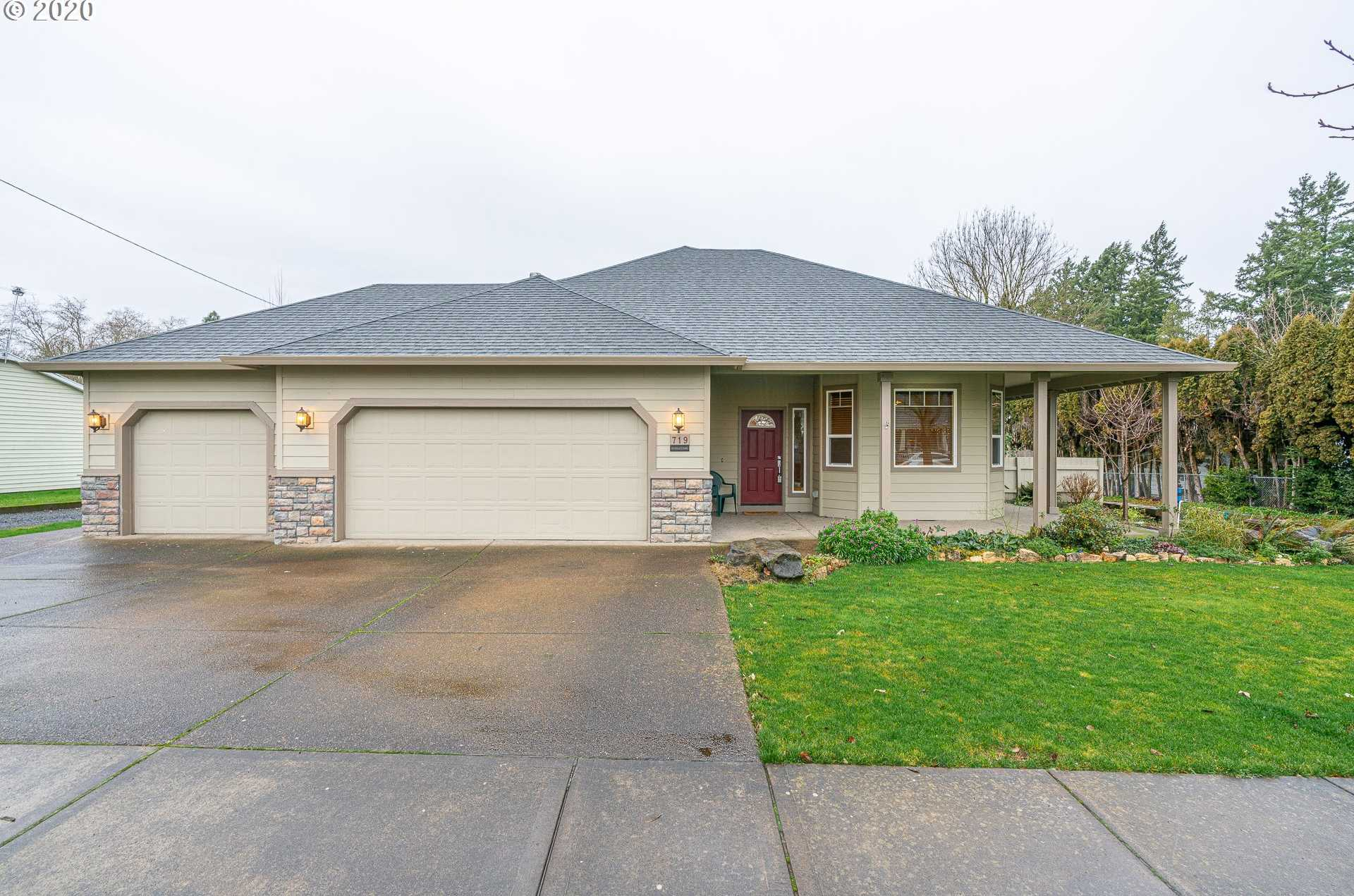 $409,900 - 3Br/2Ba - for Sale in Newberg