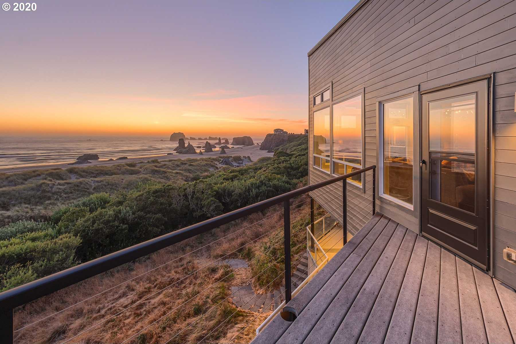 $1,575,000 - 3Br/4Ba -  for Sale in Whale Watch Way, Bandon