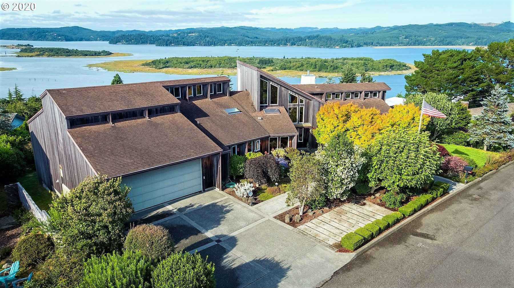$775,000 - 4Br/4Ba -  for Sale in Coos Bay