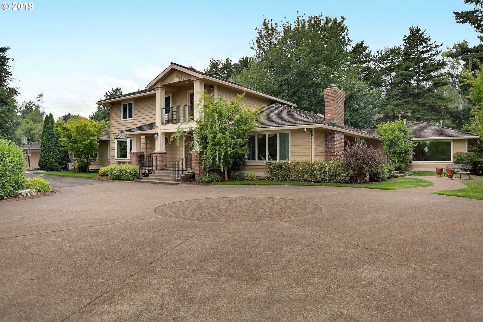$975,000 - 6Br/6Ba -  for Sale in Tigard