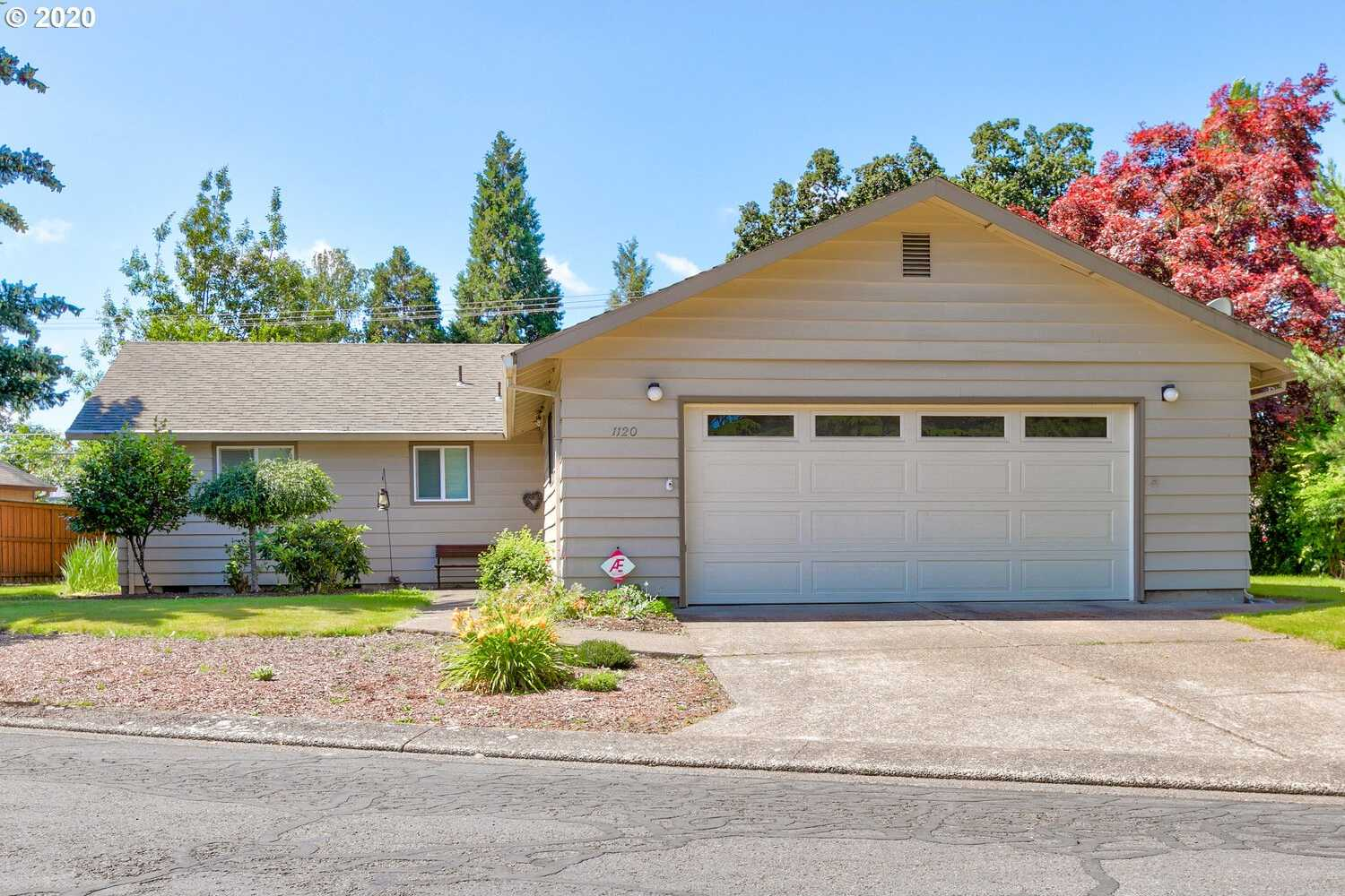 $349,900 - 3Br/3Ba - for Sale in Shadowood Greenways, Mcminnville
