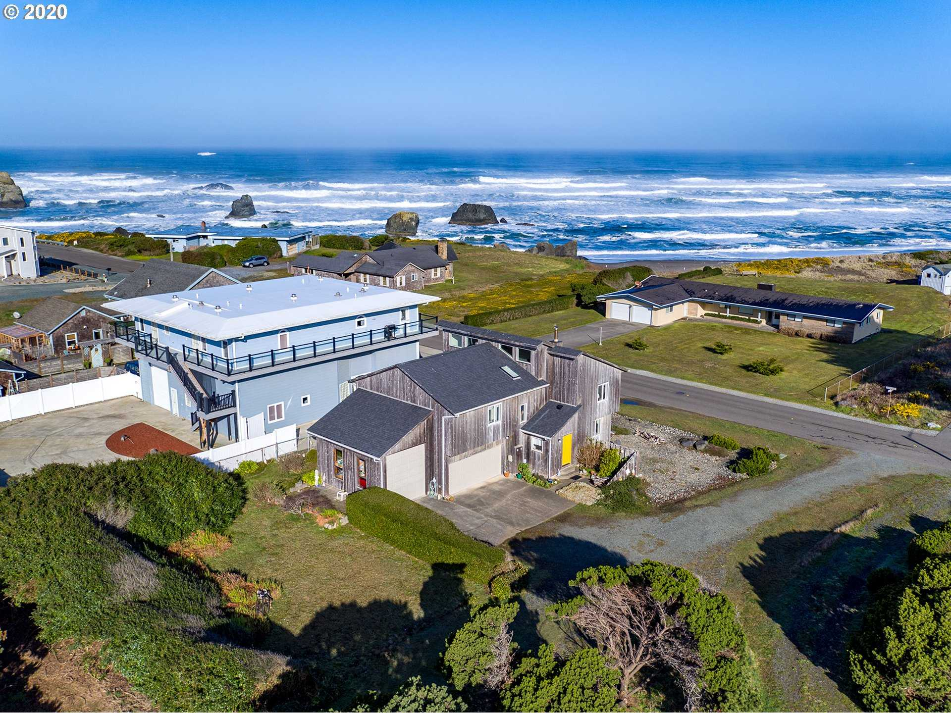 $599,000 - 3Br/3Ba -  for Sale in Bandon