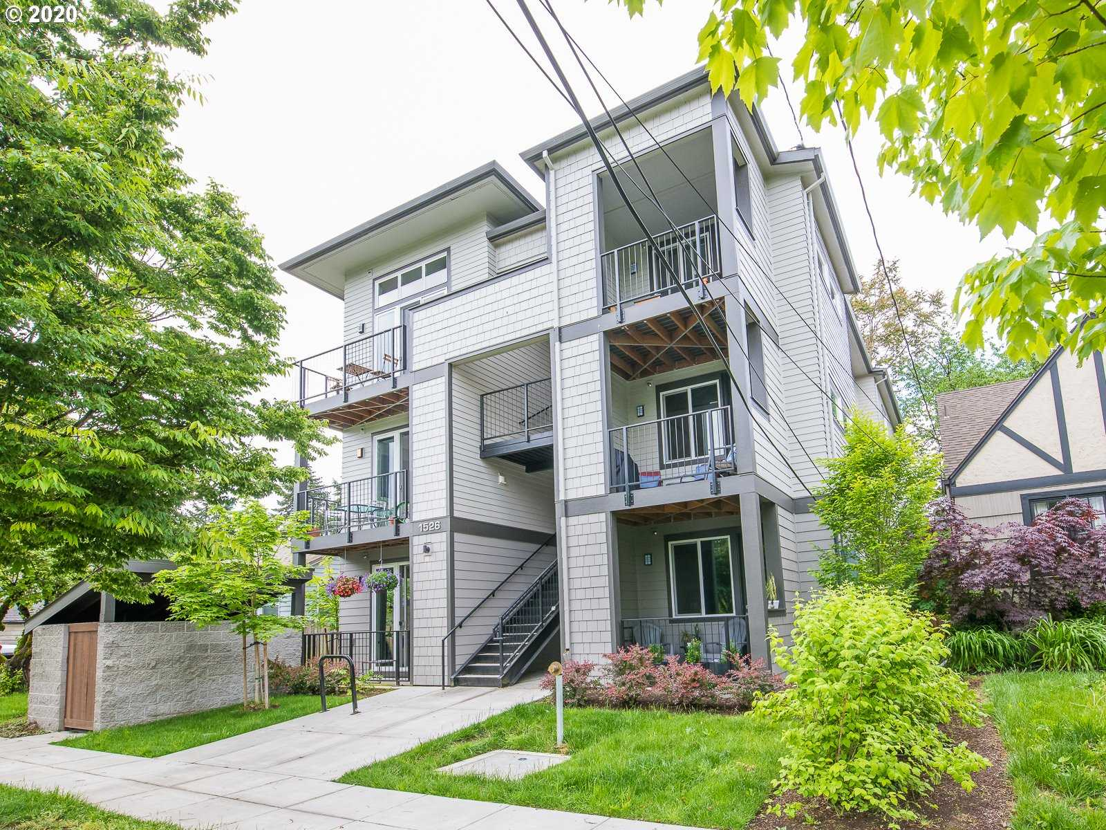 $320,000 - 2Br/2Ba - for Sale in Arbor Lodge, Portland