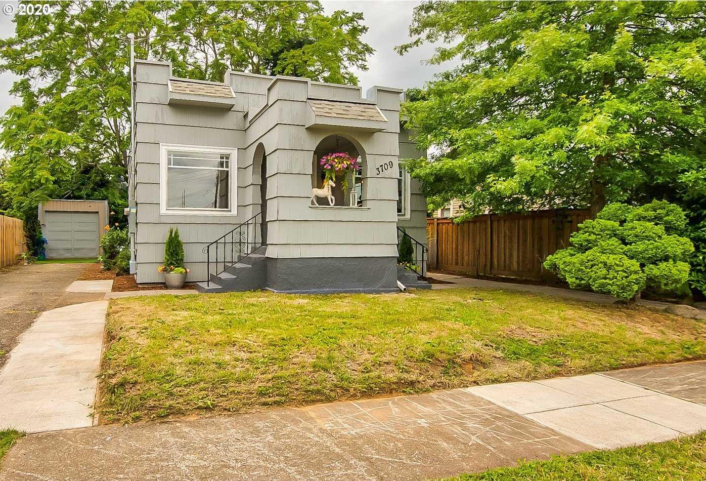 $449,000 - 3Br/2Ba - for Sale in Foster-powell, Portland