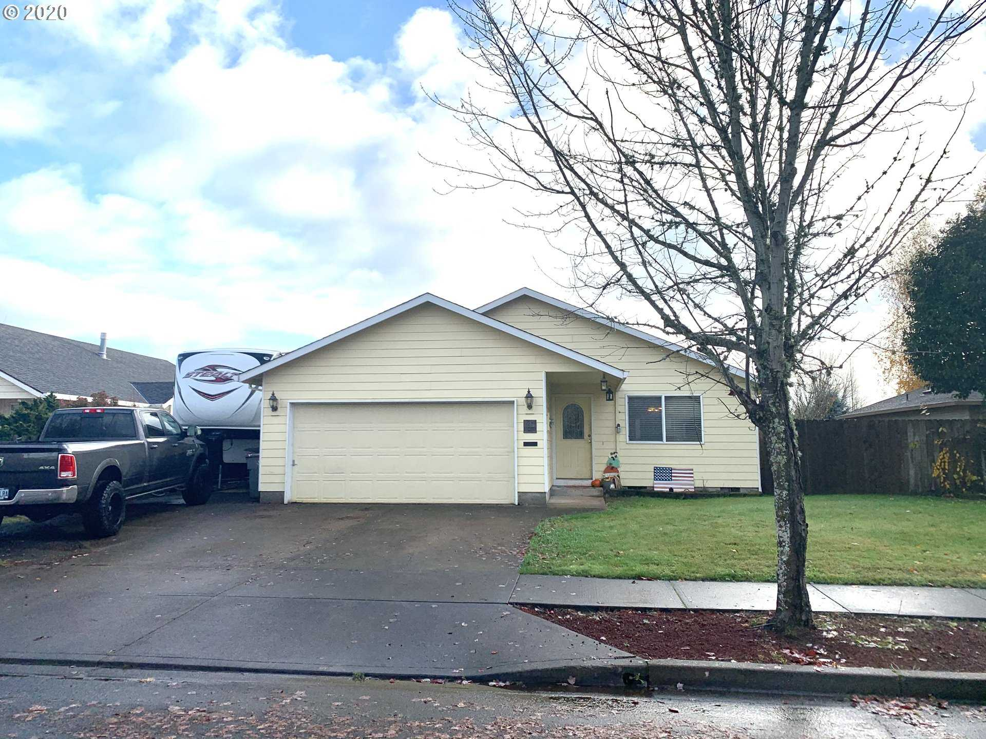 $339,900 - 3Br/2Ba -  for Sale in Mcminnville