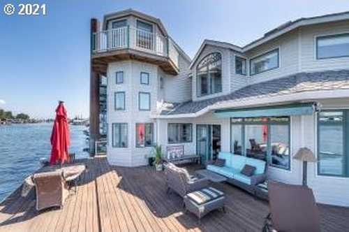 $880,000 - 3Br/3Ba -  for Sale in Bridgeton, Portland
