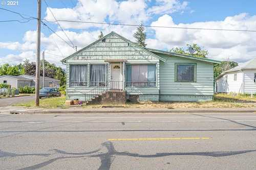 $239,900 - 4Br/2Ba -  for Sale in Schmeer's Central Addition, Albany