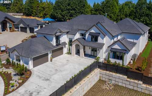 $2,500,000 - 5Br/4Ba -  for Sale in Happy Valley