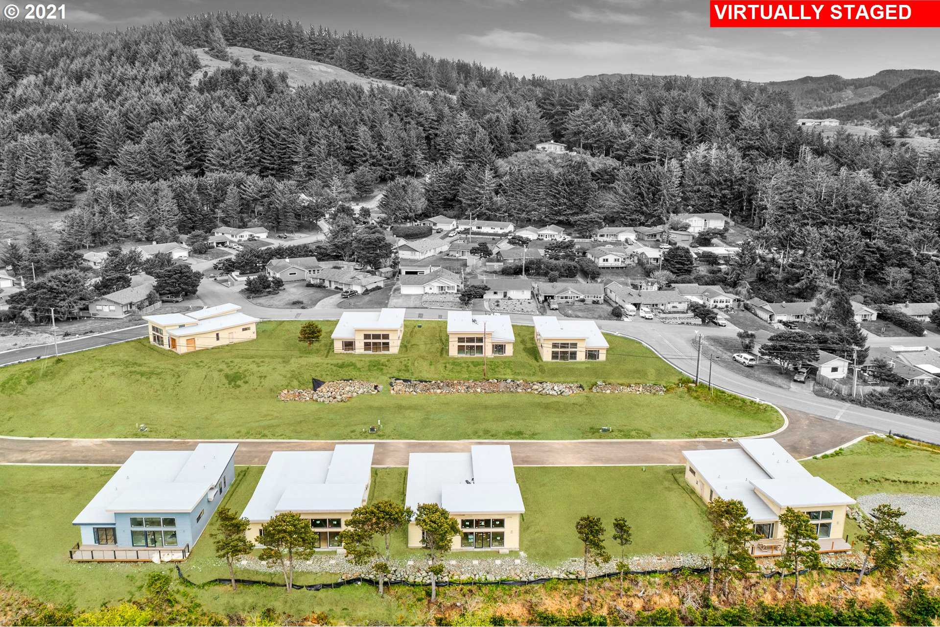 $579,000 - 3Br/3Ba -  for Sale in Gold Beach