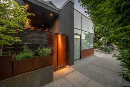 $1,750,000 - 4Br/3Ba -  for Sale in Sla, Portland