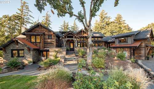 $4,200,000 - 5Br/6Ba -  for Sale in Hood River