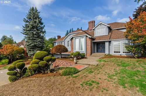 $764,900 - 4Br/3Ba -  for Sale in Sunnyside - West Mt Scott, Happy Valley