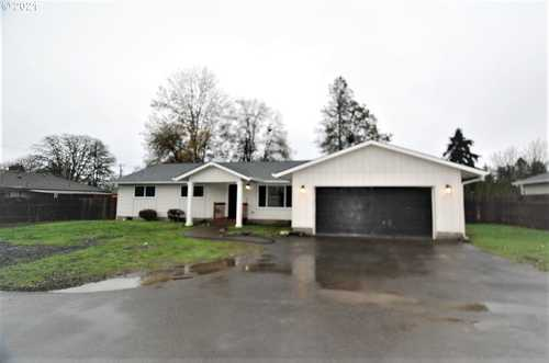 $405,000 - 3Br/2Ba -  for Sale in St. Helens