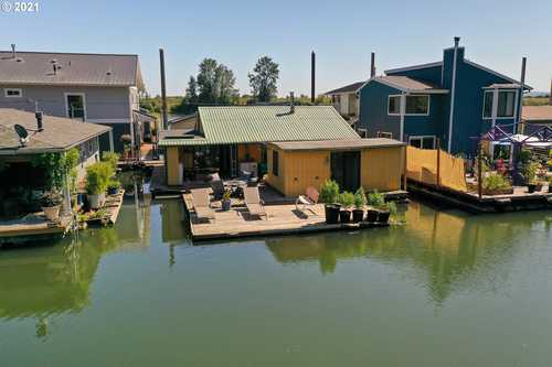 $247,700 - 3Br/2Ba -  for Sale in Dikeside Moorage, Scappoose