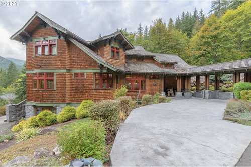 $2,500,000 - 4Br/4Ba -  for Sale in Welches