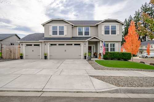 $570,000 - 4Br/3Ba -  for Sale in Springfield