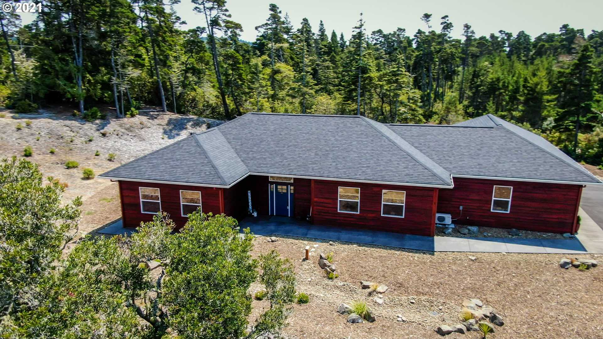 $899,000 - 3Br/3Ba -  for Sale in The Reserve At Heceta Lake, Florence