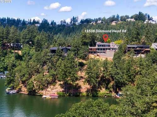 $3,480,000 - 3Br/4Ba -  for Sale in Lake Oswego
