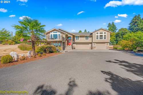 $799,900 - 4Br/3Ba -  for Sale in Scappoose