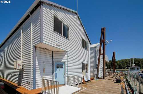 $274,900 - 1Br/2Ba -  for Sale in St. Helens, Dillards Moorage, St. Helens