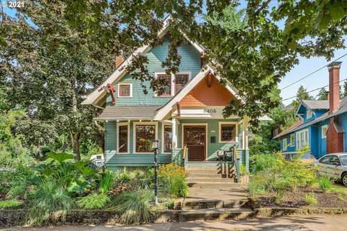 $819,900 - 4Br/4Ba -  for Sale in Hollywood, Portland