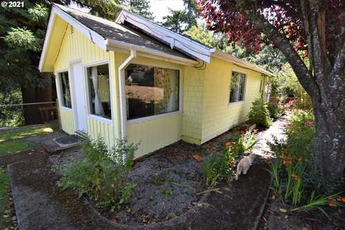$240,000 - 3Br/2Ba -  for Sale in North Bend