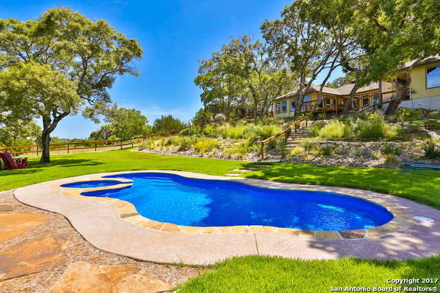 $749,000 - 4Br/5Ba -  for Sale in Lake Country, Boerne